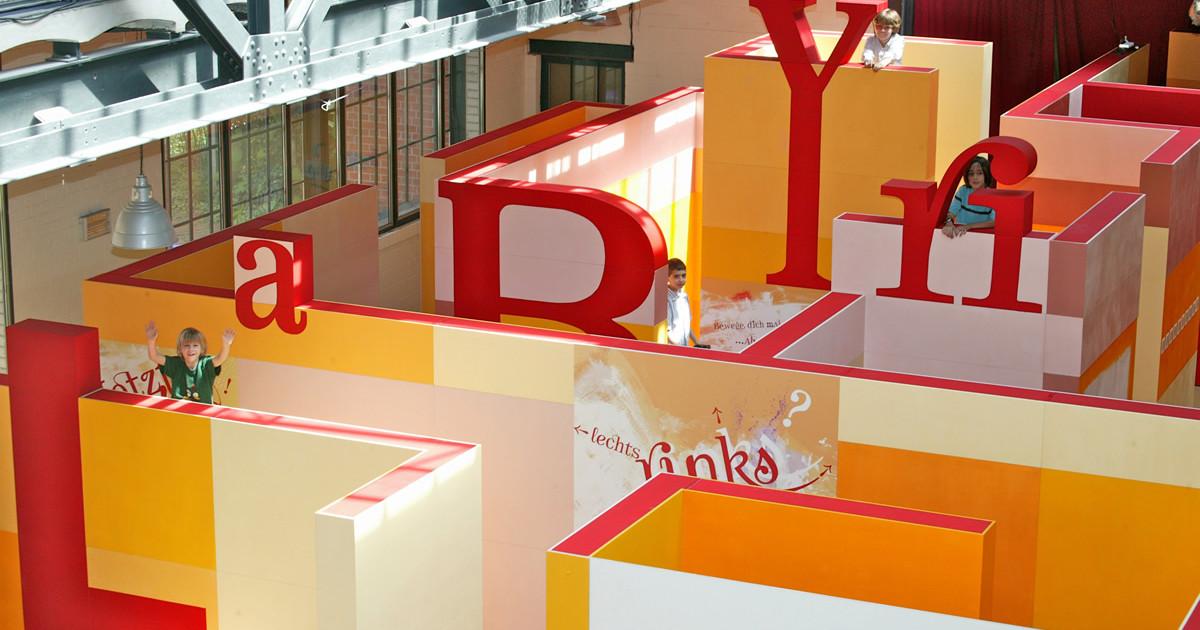 ber umwege und tellerr nder den eigenen weg finden labyrinth kindermuseum berlin. Black Bedroom Furniture Sets. Home Design Ideas